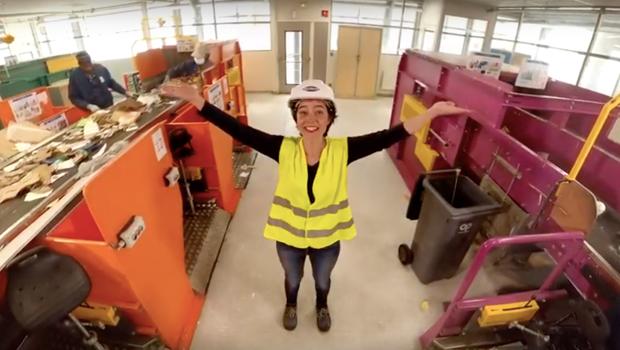 Capture d'écran du film en réalité virtuelle sur un centre de tri du Syctom