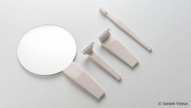 Photo de petits accessoires de salle de bain conçus à partir d'un mélange d'acrylique et de coquilles réduites en poudre