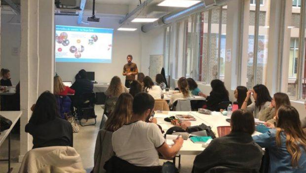 Photo d'un séminaire d'introduction organisé pour le concours Design Zéro Déchet